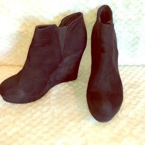 Xappeal black boots heel